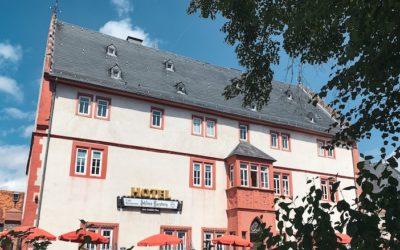 🎙️  Schloss Ysenburg: was man von einem traditionellen Hotel im Generationenwechsel lernen kann.
